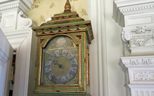 One handed 18th Century cased latern clock